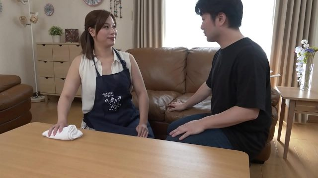 Japanese man wished to taste chubby mature pussy of his maid
